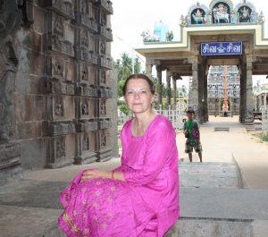 Liesbeth Pankaja Bennink, Bharata Natyam dancer and historian.