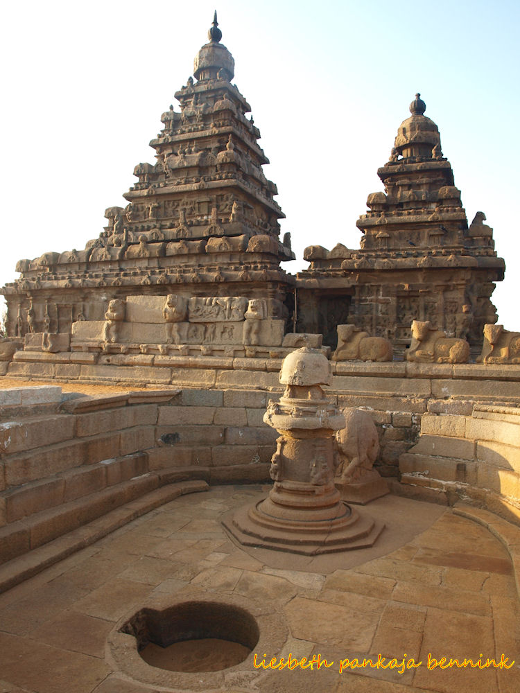 Mysterious Temples In World: Mysterious Megalithic Shore Temple Mahabalipuram