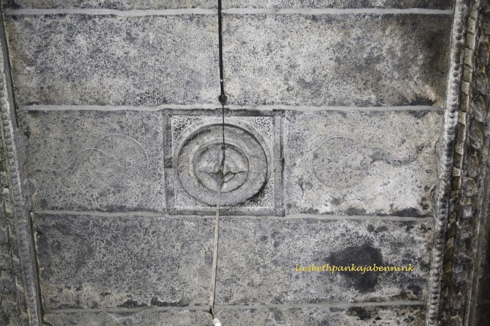 Thirukallukundram, Shri Bhaktavatchaleshvara: covered prakara corridor and mandapa